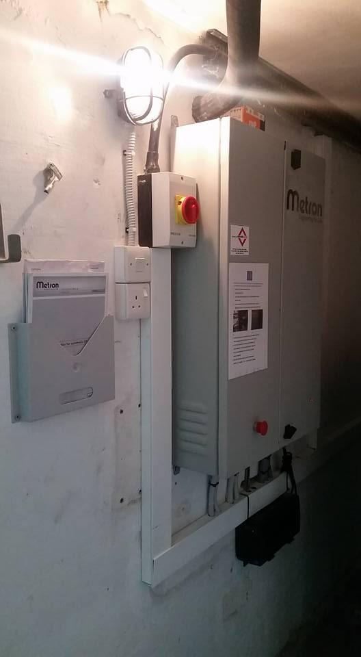2000Kgs Cargo Lift 10