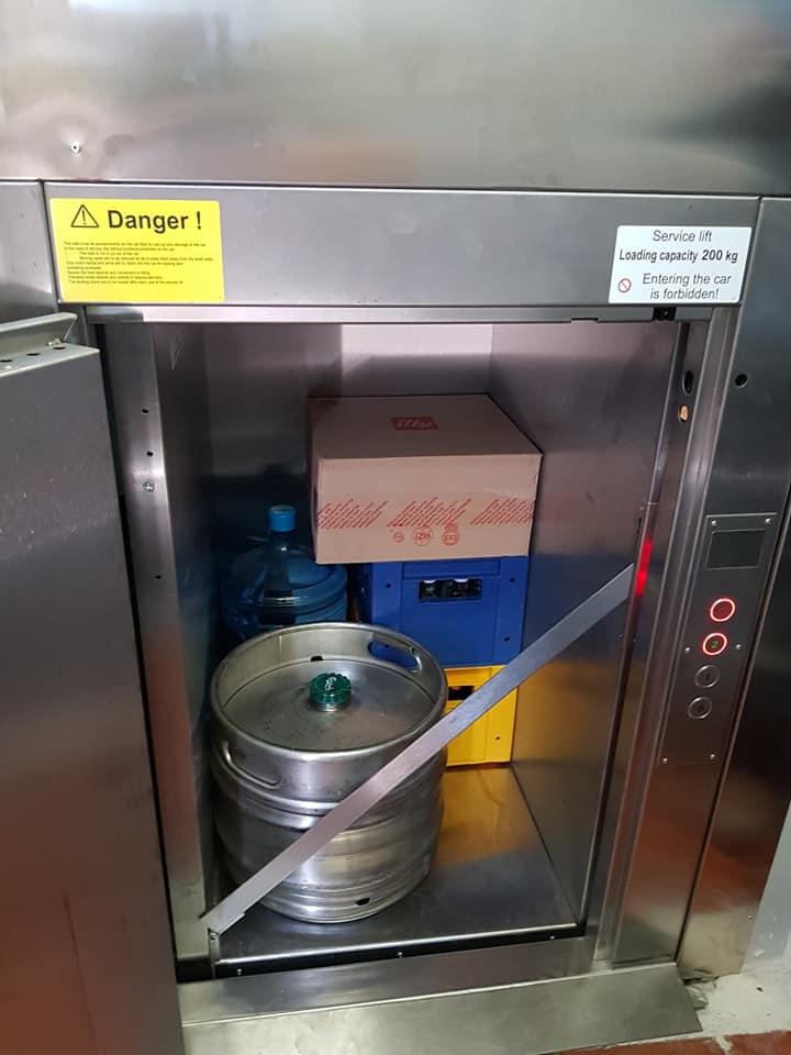 Restaurant Service Lift 2